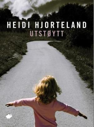 """""""Utstøytt - roman"""" av Heidi Hjorteland"""