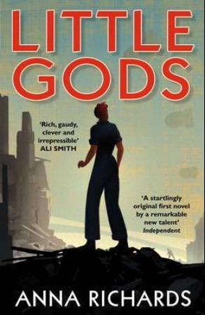 """Little gods"" av Anne Richards"
