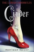 """Cinder the lunar chronicles"" av Marissa Meyer"