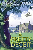 """""""A Pretty Deceit Verity Kent #4"""" av Anna Lee Huber"""
