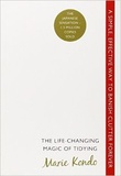 """The life-changing magic of tidying a simple, effective way to banish clutter forever"" av Marie Kondo"